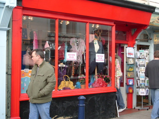 Whit_shop_red